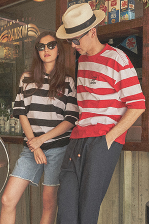 AWESOME IMAGINATION STRIPE LETTERING BORDER T-SHIRT Red